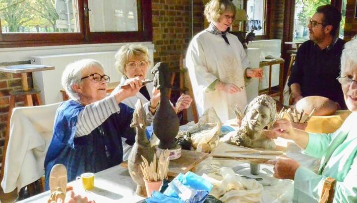 Atelier de poterie à l'espace Louise-Voelckel