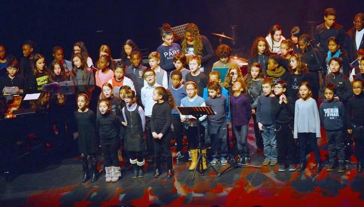Chorale du conservatoire lors d'un concert à la salle Gérard-Philipe