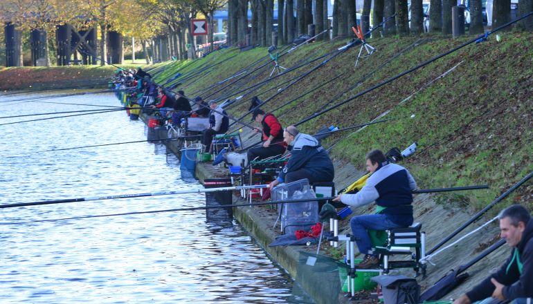 pêcheurs sur la Darse de Bonneuil